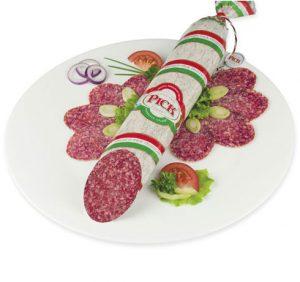 PICK original ungarische Salami angeschnitten auf Teller mit Salat, Tomaten und Zwiebeln